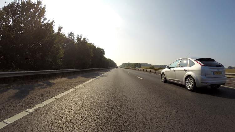 Jak ubezpieczyć auto sprowadzane z zagranicy?